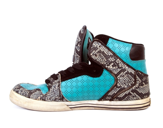 black and teal hightop shoe