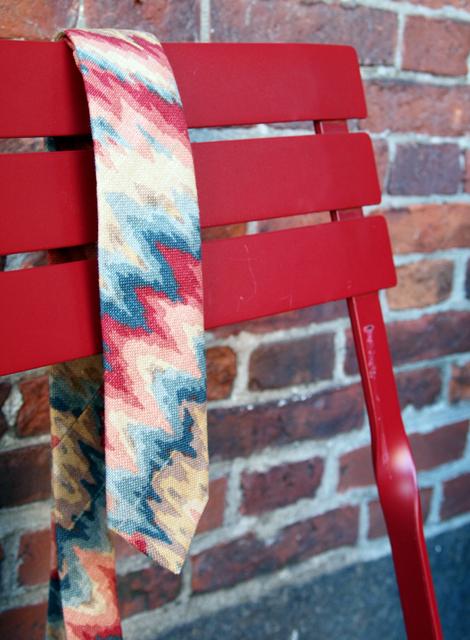 Tie - Cran Razzy